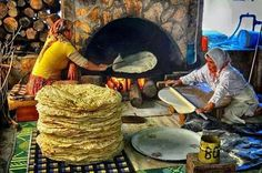 Kurdistan life, backing Kurdish bread