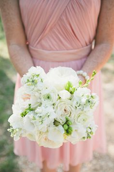 white bouquet with a pink bridesmaid dress   Loft Photographie #wedding