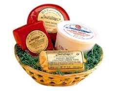 Holiday Cheese Gift Basket #WisconsinMade