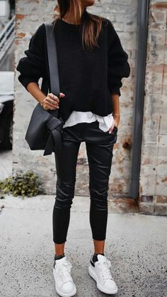 casual style fall i n s t a // @ . Visit for more fall activewear outfits, summer athleisure ideas, fitness outfit inspiration, athletic wear, casual winter leggings outf Mode Outfits, Sport Outfits, Gym Outfits, Fitness Outfits, Fashion Outfits, Dress Fashion, Dress Outfits, Fashion Ideas, Fashion Inspiration