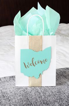 DIY Wedding Guest Gift Bag - easy tutorial to make yourself!