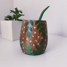 Painted Plant Pots, Painted Flower Pots, Upcycled Crafts, Diy Crafts, Cute Wallpapers Quotes, Flower Pot Design, Pottery Painting Designs, Clay Art, Ceramic Art