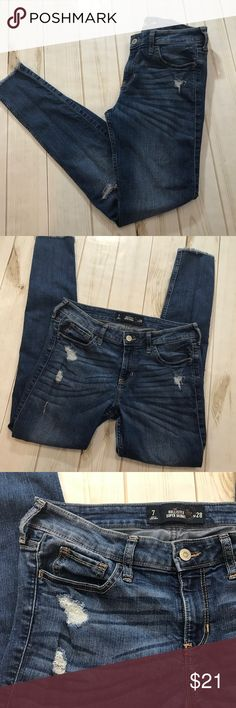 Hollister Super Skinny Distressed Jeans Women's 7 Hollister Super Skinny Distressed Jeans Women's 7  In fantastic preowned condition with intentional distressing, inseam is approximately 29 inches.  Please be sure to check out all of my other items, same day or next business day shipping out is guaranteed once paid! Hollister Jeans Skinny