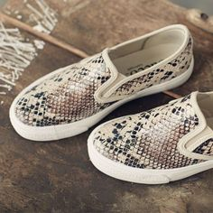 snake-skin-slip-on-shoes- Stylish slip on shoes… Slip On Sneakers, Slip On Shoes, Cute Shoes, Me Too Shoes, Zapatos Shoes, Mode Outfits, Shoe Closet, Crazy Shoes, Shoe Boots