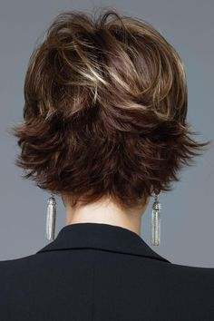 The Short Pixie Cut - 58 Great Haircuts You'll See for 2019 - Hairstyles Trends Layered Bob Hairstyles, Short Pixie Haircuts, Braid Hairstyles, Short Hair With Layers, Short Hair Cuts, Pixie Cuts, Rene Of Paris Wigs, Great Haircuts, Hair Dos