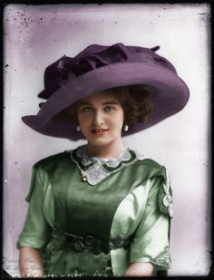 Vintage Fashion Fashions From The Past — a-fall-leaf-something: Hats from Edwardian era; Victorian Hats, Victorian Women, Edwardian Era, Edwardian Fashion, Vintage Fashion, 1900s Fashion, Belle Epoque, Mode Vintage, Vintage Ladies