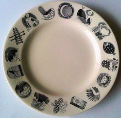 Eric Ravilious nursery plate for Wedgwood.