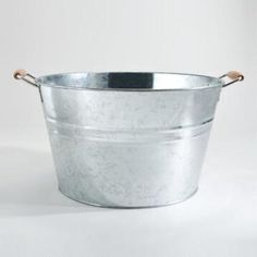 tub for water and other bottled drinks