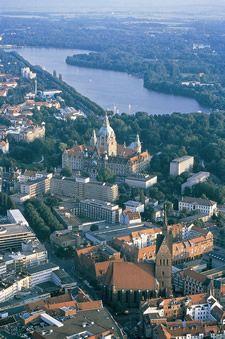 Maschsee, Rathaus und Marktkirche. <3