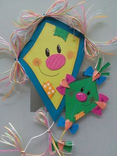 Paper Crafts For Kids, Diy And Crafts, School Board Decoration, Autumn Activities For Kids, Felt Books, Flower Template, Paper Flowers, Art For Kids, Origami