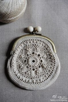in the sixties my thea despina showed me how to make these… Crochet Diy, Love Crochet, Beautiful Crochet, Crochet Crafts, Crochet Coin Purse, Crochet Purses, Crochet Bags, Knitting Patterns, Crochet Patterns