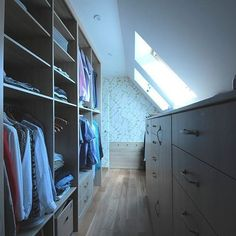 Гардеробная комната. ЛДСП с элементами массива дуба. Дизайн - El Pino.  www.elpino.ru  #дизайн #дизайнинтерьера #интерьер #мебель #гардеробная #гардеробнаякомната #гардеробные  #contemporaryfurniture #decoration #design #furniture #furnituredesign #homedecor #homedesign #interior #interiordecor #interiordesign #interiordesignideas #interiorstyle #interiorstyling #luxuryhomes #style