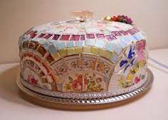 Cake Dome Cake Server handmade Designer made China Plate Mosaic on vintage cake dome Bohemian Cake, Mosaic Tray, Cake Dome, Vintage Cake Stands, Cake Platter, Mosaic Pieces, New Cake, Mosaic Designs, How Sweet Eats
