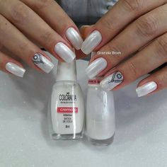 Manicure And Pedicure, Pedicures, Beautiful Nail Art, French Nails, Nail Trends, Nail Arts, Basic Colors, Beauty Nails, Gold Glitter