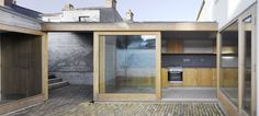 Donaghy + Dimond Architects:  Laneway Wallgarden House