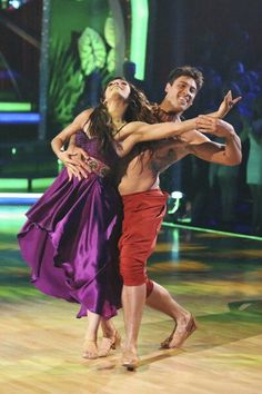 Meryl Davis and Maks Chmerkovskiy Samba Disney Night! (Jungle Book)