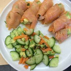 Non #sushi sushi anyone? #lunchtime #salmon #cucumber #avocado #carrots #healthyeating #healthyliving #foodie #veg #fish #madebyme #freshfoods #lifesyle #lunch #morgansnature #rawfood #teamhealthy