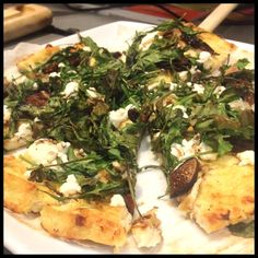 "Dr. Travis' Cauliflower Crust Pizza from ""The Doctor's Diet Cookbook"" by Travis Stork, M.D. #recipe #vegetarian #doctorsdiet #arugula #goatcheese #figs #balsamic #oliveoil"