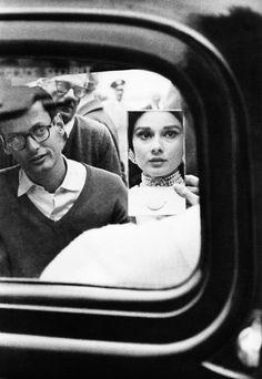 kellyandhepburn:        Richard Avedon shooting Audrey Hepburn for a Harper's Bazaar photo shoot, Paris 1961