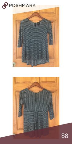 Black and grey striped Hi-Low top Black and grey stripped Hi-Low top. Zipper and pleats in the back. 3/4 length sleeves. Wore a handful of time. SIZE SMALL Tops