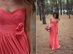 Es probable que mi dama de honor y mis damas de honores lleven los vestidos corales porque me gusta eso color.  Ellas necesitan tener su pelo rizado.