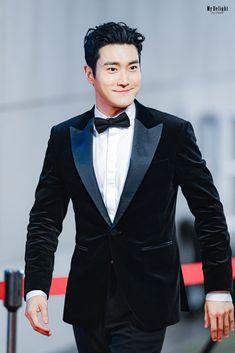 Choi Siwon, Asian Actors, Korean Actors, Super Junior, The Crown 2, Seoul, Beautiful Boys, Beautiful People, Prom Looks
