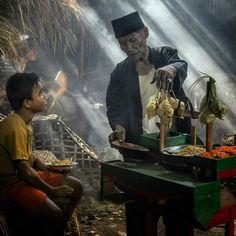 #human_interest #traditional_market #indonesia #photography #instagram Amazing Photography, Street Photography, Street Run, Asian Vegetables, Traditional Market, Javanese, Yogyakarta, Human Condition, Just Do It