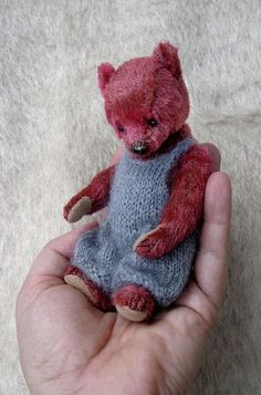 , One Of A Kind Miniature Bear made in Vintage Mohair from Aerlinn Bears.