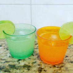 Ideia de bebidinha não alcóolica: água tônica com suco de limão e gelo, perfeita para o calor que tá fazendo!  Dicas - Ideias - Bebida - Faça você mesmo - Cozinha - Receita