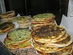 Bread with zatar, Amman, Jordan - my favorite - add K cheese & tomatoes and I am one happy camper! Zatar Recipes, Healthy Recipes, Jordanian Food, Scotcheroos Recipe, Thinking Day, Amman, Middle Eastern Recipes, Arabic Food, Mediterranean Recipes