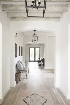 Looking for for pictures for farmhouse interior? Check out the post right here for perfect farmhouse interior inspiration. This kind of farmhouse interior ideas appears to be entirely amazing. Design Scandinavian, French Provincial Home, Design Living Room, Living Room Ceiling Ideas, Living Room Decor, Hallway Designs, Hallway Ideas, Basement Designs, Farmhouse Remodel