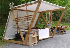 :: note grommet attachment of canvas:: Mittelalter Marktstand Viking Tent, Viking Camp, Ideas Cabaña, Decoration Pirate, Medieval Market, Market Stands, Bamboo Architecture, Craft Markets, Pop Up Shops