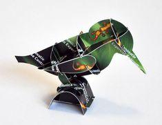 Bouwplaten. Modelbouwplaat-op-maat: IJsvogel. Bouwplaat van een ijsvogel. Custom made relatiegeschenk. Knip, vouw & pas: snel klaar zonder één druppel lijm. Grafisch Ontwerpers Arnhem
