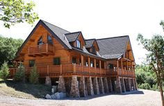 Welton Woods is a recently finished expansive lodge designed to bring luxury amenities into the great outdoors. Its the perfect place for family reunions, vacations, work training and seminars. The Lodge is situated ...