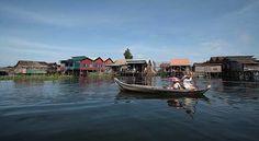 The great Tonle Sap Lake ( Stilted/Floating villages - Kompong Kleang)