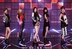 Amber Liu, Krystal Jung, Victoria Song, Sulli Luna - f(x) on the set of 'Electric Shock' Song Qian, Victoria Song, Krystal Jung, Electric Shock, Video Channel, Sulli, Only Girl, Korean Music, Vixx