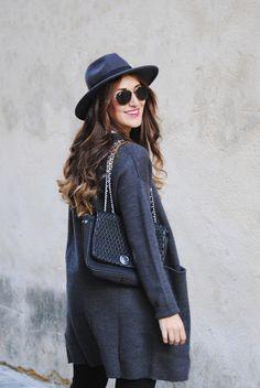Grey hat. http://www.fashion-south.com/2016/12/grey-cardigan-grey-hat.html?m=0