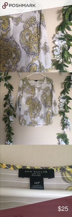 ANN TAYLOR patterned blouse *ann Taylor *white black and yellow colored *patterned blouse *NWOT *size medium Ann Taylor Tops Blouses