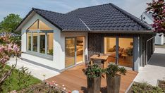 Haus Riedel Außenansicht Bungalows, Style At Home, Affordable House Plans, Villa, Shed, Floor Plans, Flooring, How To Plan, Mansions