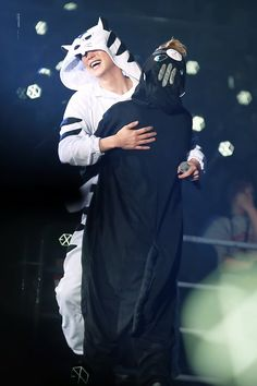 #CHANYEOL #D.O #EXO <--actually that's Xiumin.