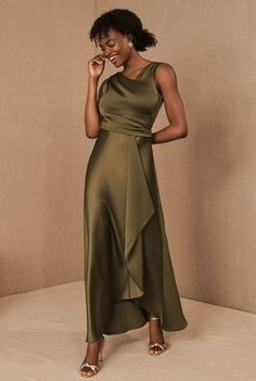 Fall Bridesmaids Dresses from BHLDN are here to give you the perfect colors on wedding day. Plus, they make great wedding guest dresses too! Emerald green, navy, gold and deep ruby, there's a stunning dress for every one of your girls! #gws #greenweddingshoes #bhldn #bridesmaids #dresses Stunning Dresses, Stylish Dresses, Pretty Dresses, Dusty Blue Bridesmaid Dresses, Bridesmaids, Stripped Maxi Dresses, Mob Dresses, Bride Dresses, Satin Cocktail Dress