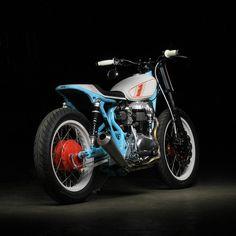 Kawasaki W650 tracker