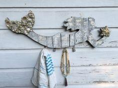 Mermaid Hat Rack/Beach House Decor von MyHoneypickles auf Etsy