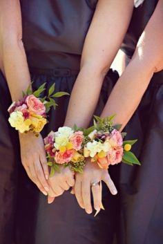 wrist corsage for the girls? But smaller and in keeping with ur bouquet. Wrist Flowers, Prom Flowers, Bridal Flowers, Pretty Flowers, Floral Wedding, Wedding Bouquets, Wedding Corsages, Wedding Dresses, Hortensia Rose