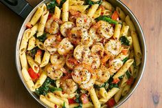 Tomato Spinach Shrimp Pasta Recipe — Bold flavors star in this one-pot shrimp pasta recipe, ready in 30 minutes. Al dente pasta is tossed with spicy grilled shrimps, tomatoes, fresh spinach, garlic… Shrimp Pasta Recipes, Shrimp Dishes, Healthy Pasta Recipes, Healthy Pastas, Pasta Dishes, Seafood Recipes, Cooking Recipes, Dishes Recipes, Easy Recipes