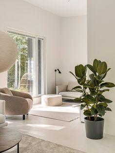 Modern Floor Plans, Minimal Decor, Scandinavian Living, Living Room Decor, Furniture Design, Minimal Living, House Design, Sofa, Organic Modern