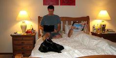 Según estudios de urbanistas, el motivo de la costumbre de dormir juntos fue más económico que amoroso o erótico...