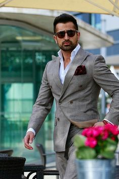 business mens fashion that look cool Stylish Mens Fashion, Mens Fashion Blog, Latest Mens Fashion, Mens Fashion Suits, Fashion Edgy, Fashion Ideas, Fashion 101, Fashion Outfits, Fashion Photo