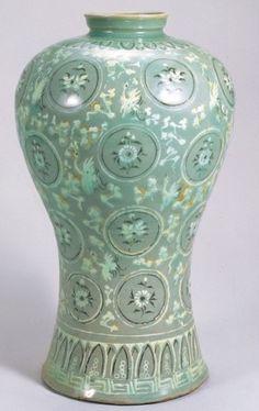 청자-보물1 : 네이버 블로그 Kintsugi, Korean Art, Asian Art, Pottery Wheel, Pottery Art, Glass Ceramic, Ceramic Art, Korean Pottery, Asian Sculptures