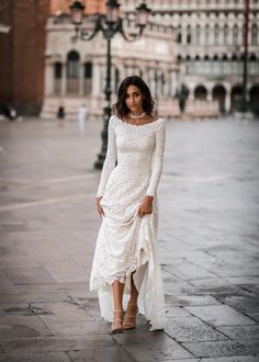 21 Top Wedding Dresses 2018 wedding dresses 2018 a line with long sleeves lace wearyourlovexo Source by beriaslan The post 21 Top Wedding Dresses 2018 appeared first on Do It Yourself Fashion. Wedding Dresses 2018, Bridal Dresses, Dresses Dresses, Older Bride Dresses, Dresses Online, Formal Dresses, Dream Dress, The Dress, Beautiful Dresses
